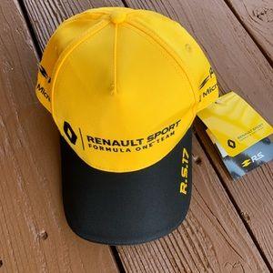 Renault sport hat